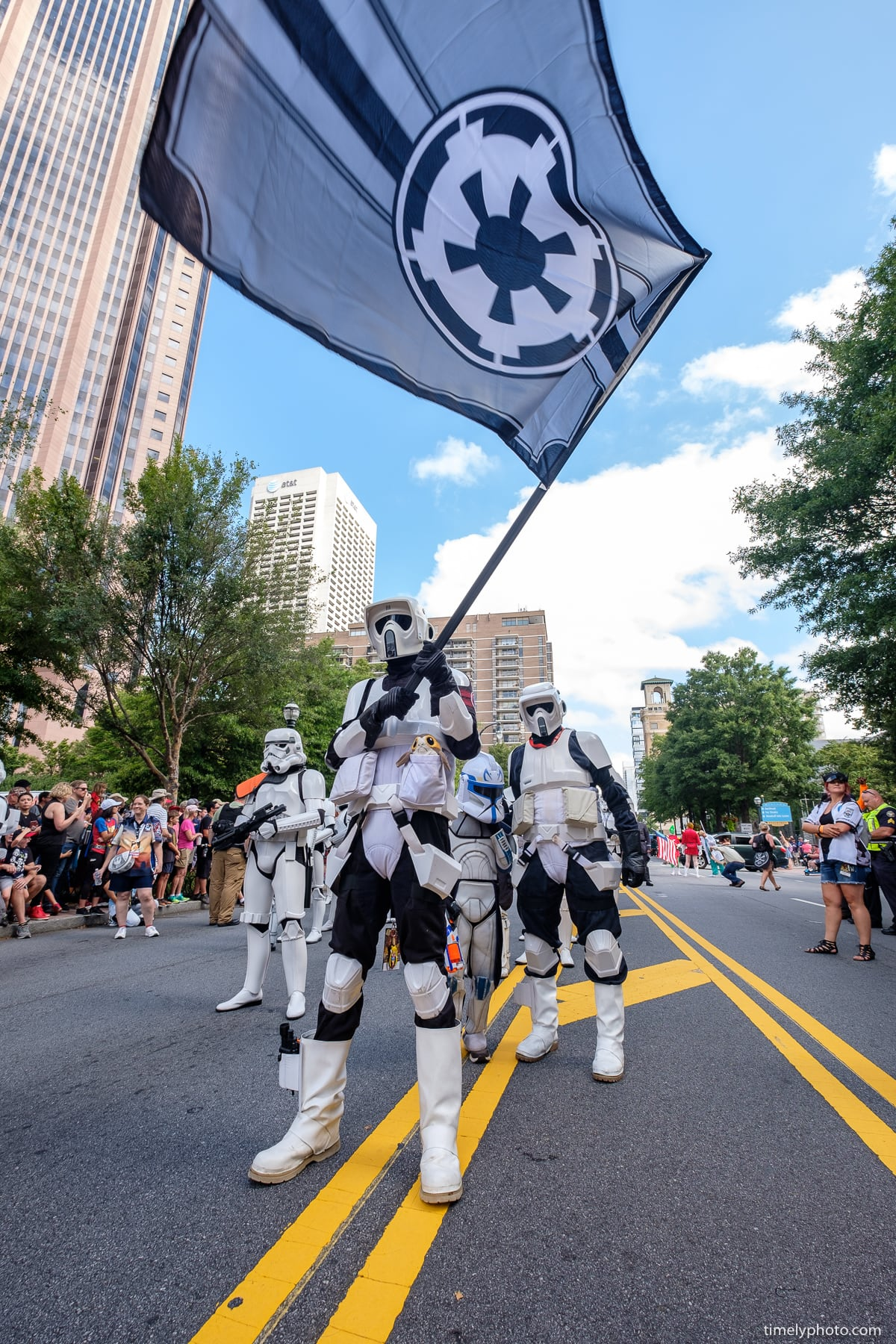 2018-09-01-0311-DragonCon-Parade-2018-web.jpg