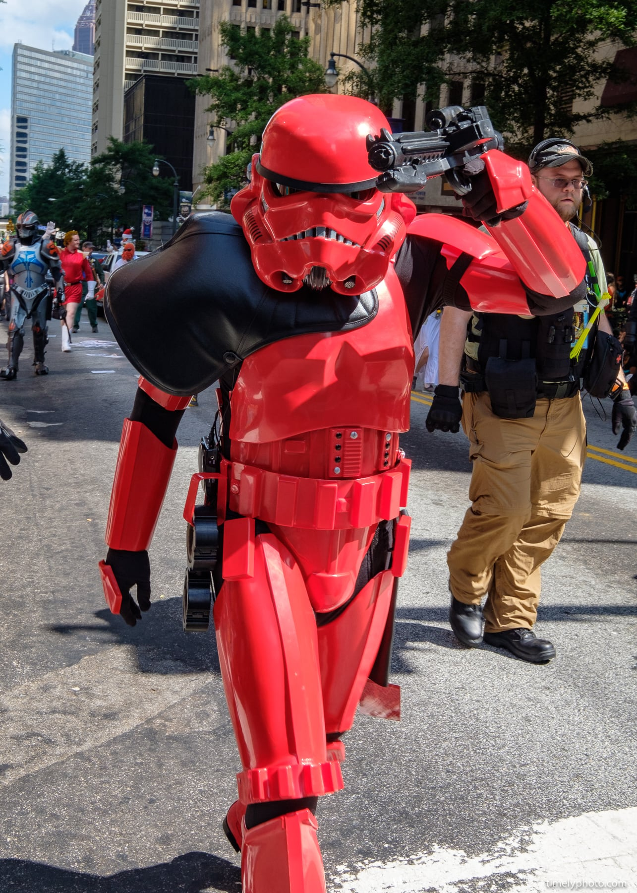 2018-09-01-0613-DragonCon-Parade-2018-web.jpg