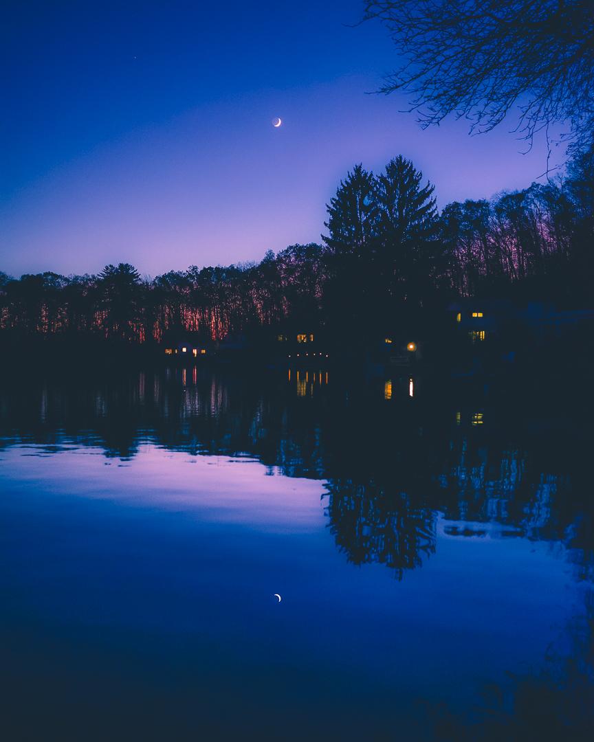 LakeMoon1080.jpg