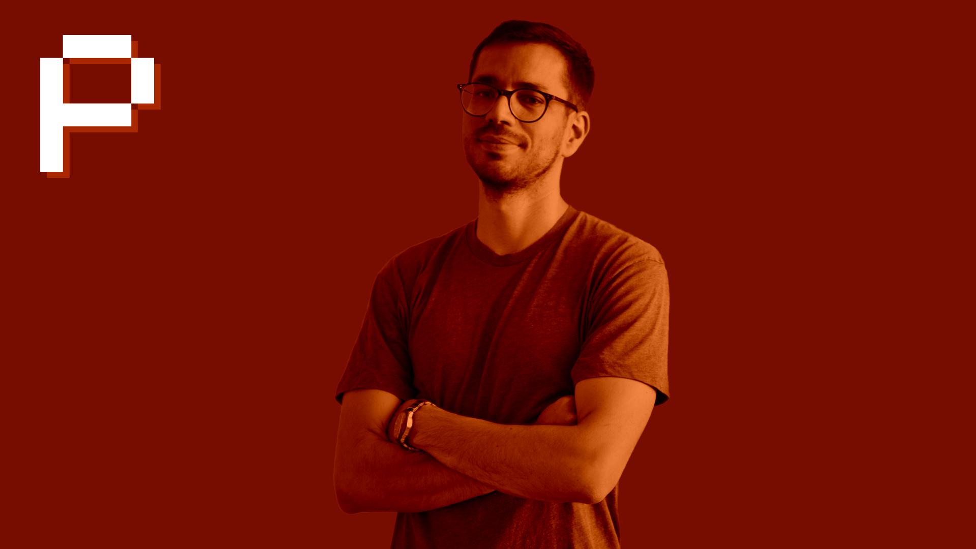 """ONLINEPUNKS PODCAST MIT ADIL SBAI - OnlinePunks CEO Adil (Instagram & Twitter) trifft solche Influencer, deren Profile mehr als nur ein paar schöne Bilder mitbringen. Jeder Podcast ist dabei in zwei Parts unterteilt: den privaten Teil (die Geschichte des Gasts) sowie den """"beruflichen"""" (sprich: seine Social Media Karriere)."""