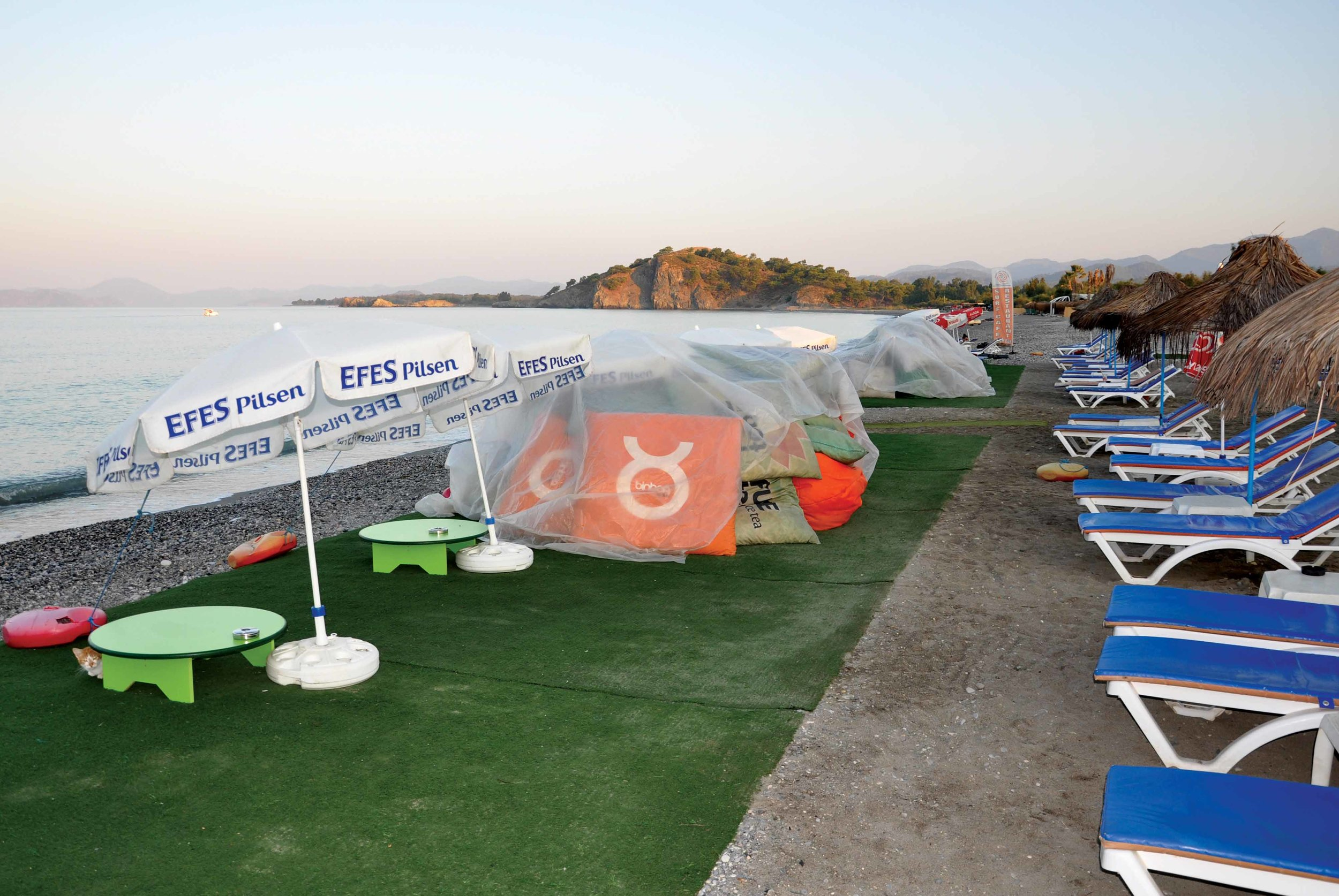 With no management plan in place, beachfront businesses at Calis Beach, Fethiye, Turkey, are encroaching on valuable turtle nesting habitat. © MEDASSET (2013)