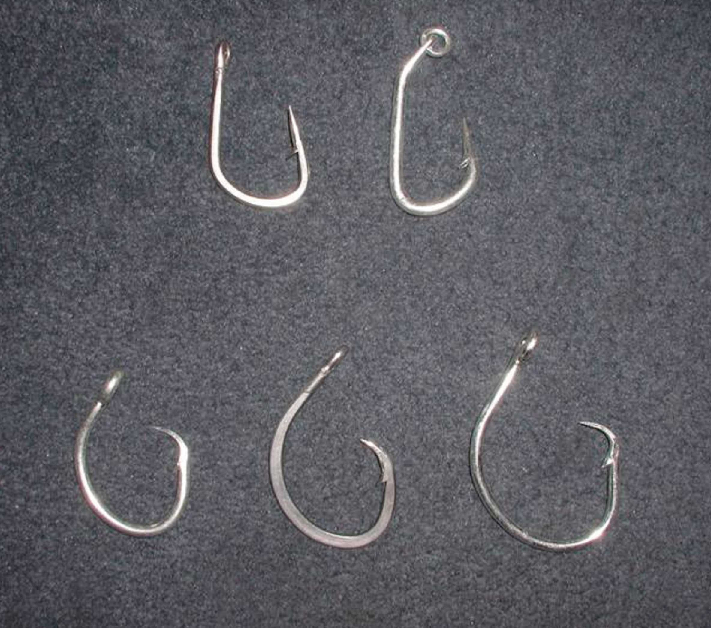 Using circular hooks rather than J-hooks on fishing lines has proven to reduce sea turtle fatality without significantly affecting capture of target fish species. ©NATIONAL MARINE FISHERIES SERVICE