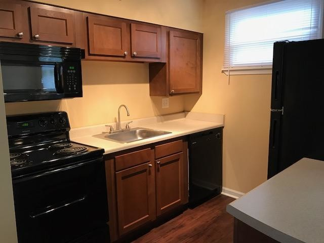 the-pines-on-vineville-macon-ga-primary-photo kitchen.jpg