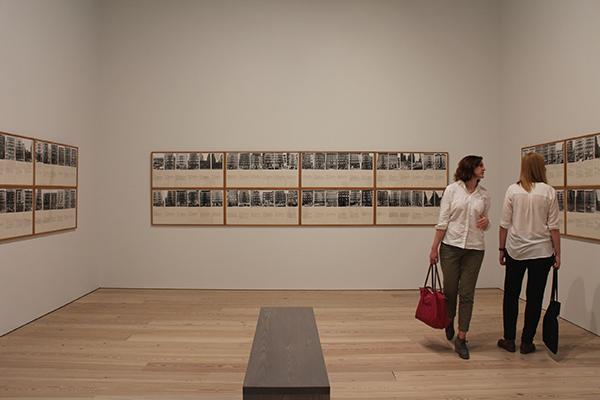 Shapolsky et al.,  Haacke, 1971; Whitney Müzesi, 2015
