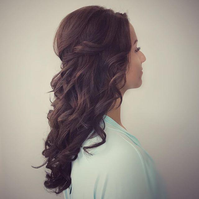 #bridesmaids #hair #parleystudio #weddinghair #weddinghairdresser #weddinghairuk #weddinghairdorset #dorsetwedding #dorsetweddinghair