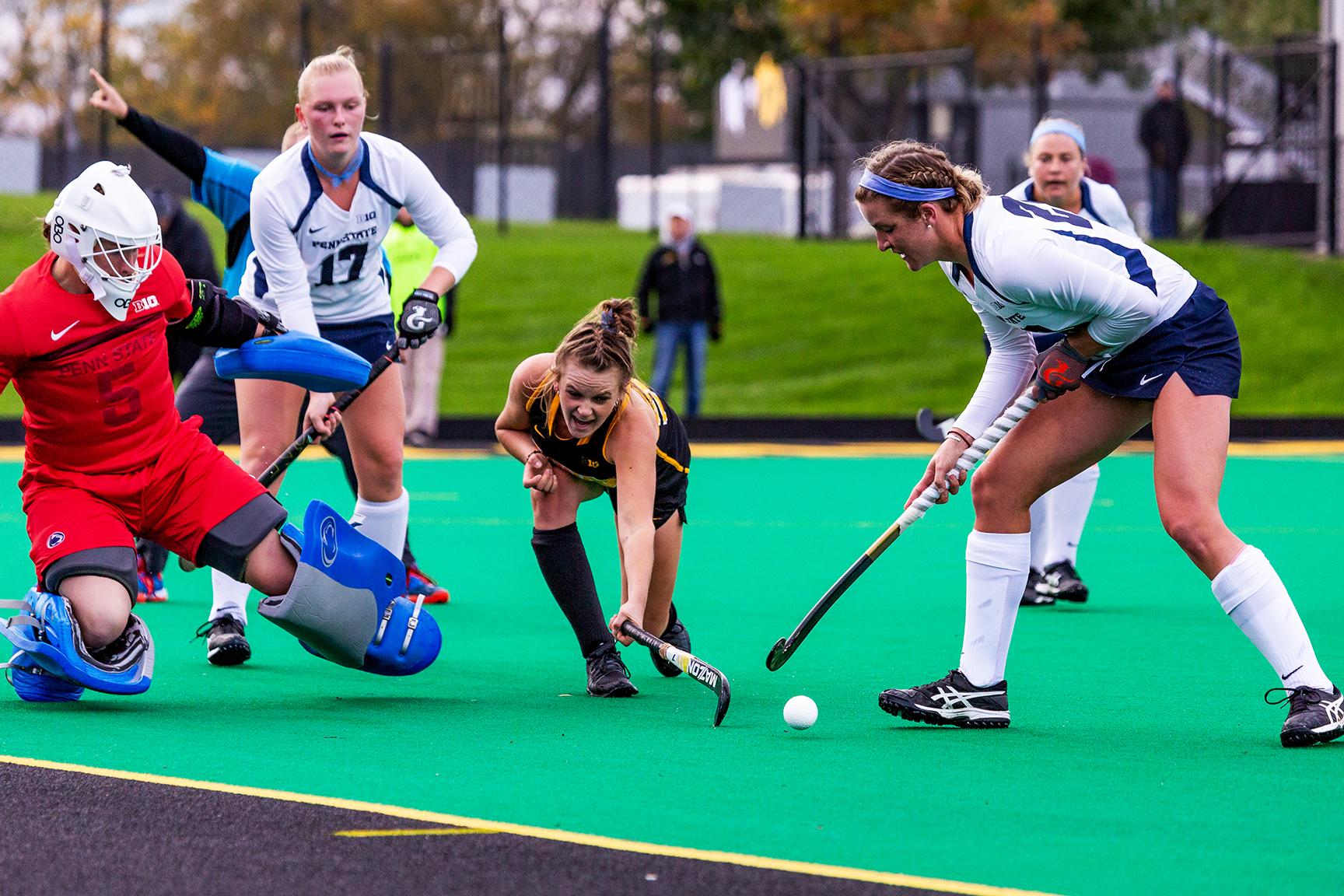 101218_Field Hockey v Penn State_DH144.jpg