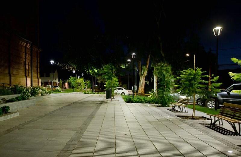 squares-pedestrian-areas-santiago-chile-stylage-plaza-los-castanos-3.jpg