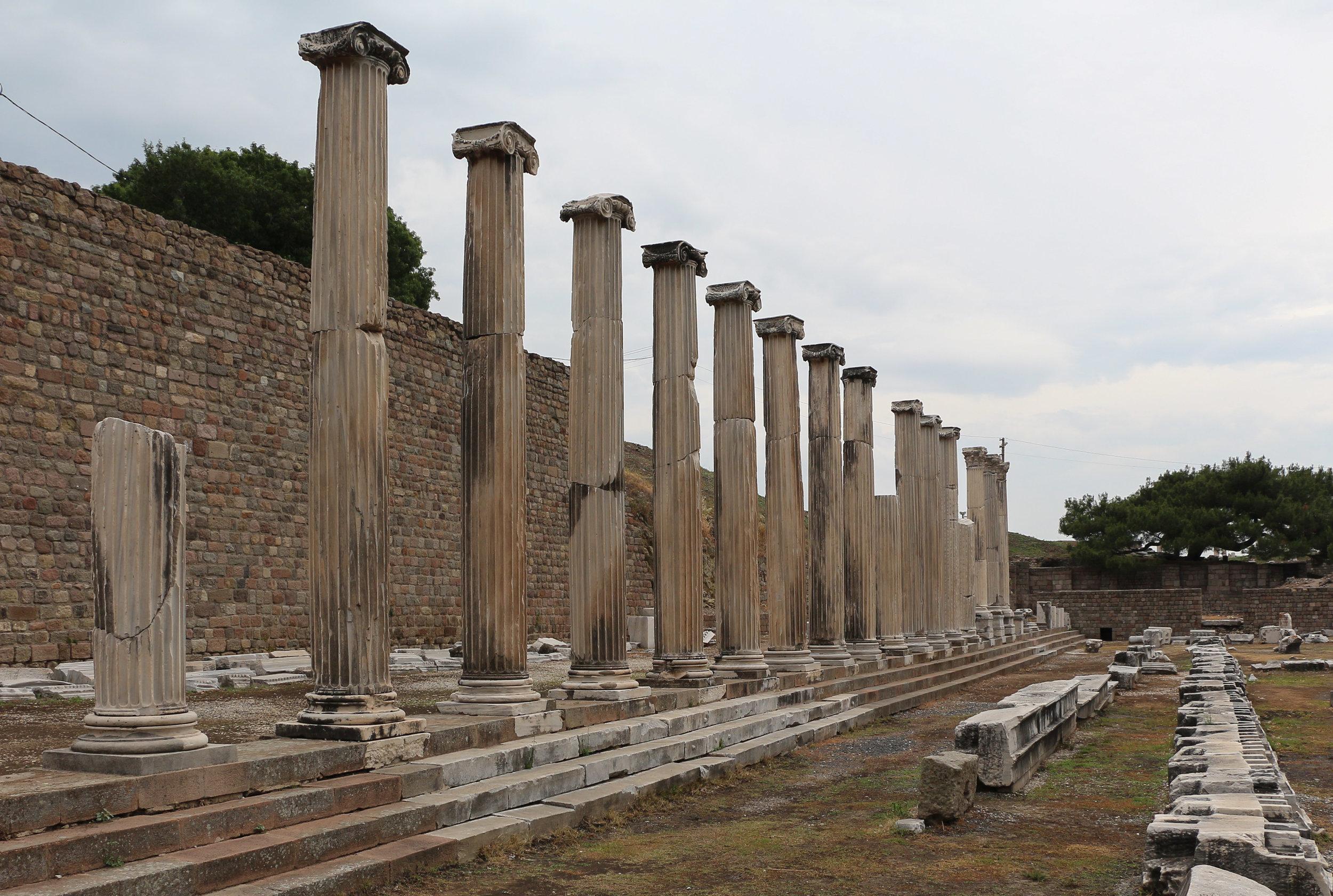North_Stoa_at_Pergamon_Asclepium_03.jpg