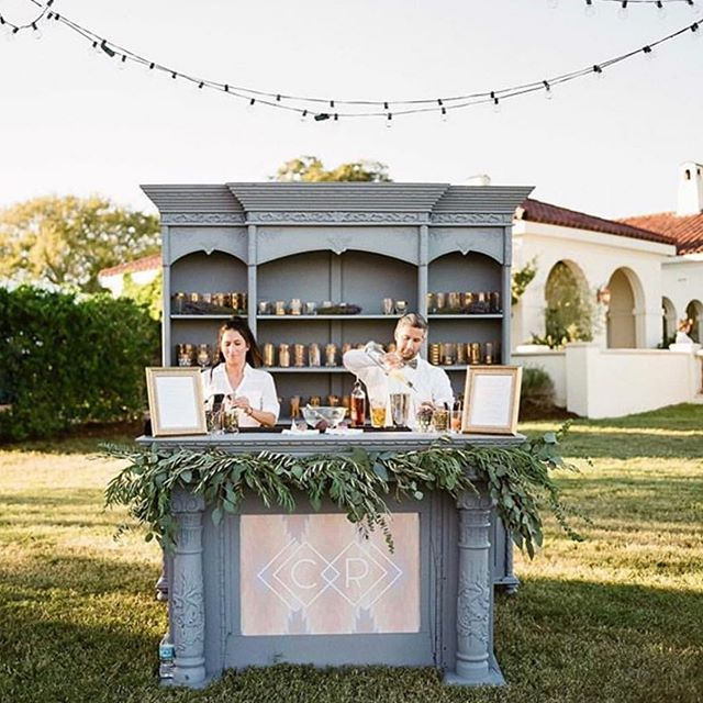 Sometimes, one unexpected thing can make all the difference. We believe in simplicity, creating unexpected details and looking at places to stretch the design.  ___ What has been your favorite, unexpected thing at an event you have attended?  ___ #wedding @darrylcoevents #houstonevent #bar #outsidewedding #monogram #barrender #CLEcelebrates #thedailywedding #huffpostido #ohwowyes #southernweddings #soloverly #marthaweddings #wedding #weddingplanner #calledtobecreative #bridesofhouston  #weddingsinhouston #houstonweddingplanner #texasweddings #destinationwedding #thehappynow #theprettypursuit #abmlifeissweet #thatsdarling