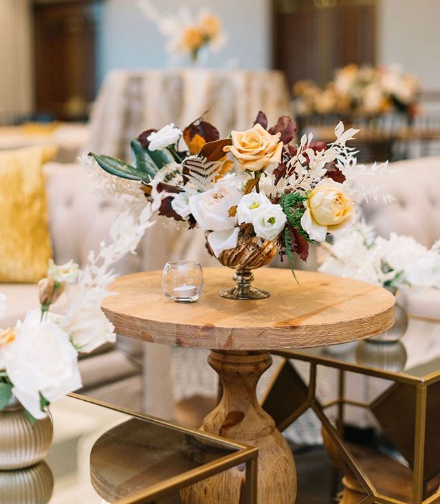 Happy fall y'all!  ___ Even thought it's still 90° in Houston we're dreaming of rich color palettes, cooler weather and the holiday parties that are right around the corner!  ___ What are you most excited for this fall? Tell us below!  ___ Photo: @courtney_leigh_photo  Floral: @maxitflowerdesign  Linens: @houseofhough  Rentals: @afr_rentals  ___ #CLEvents #ChristinaLeighEvents #corporateholidayparty #bpxenergy #bp @zazamemorialcity #holidayparty #CLEcelebrates #thedailywedding #huffpostido #ohwowyes #southernweddings #soloverly #marthaweddings #houstonevent #eventplanner #calledtobecreative #bridesofhouston  #weddingsinhouston #houstonweddingplanner #texasweddings #luxuryevent #thehappynow #theprettypursuit #abmlifeissweet #thatsdarling