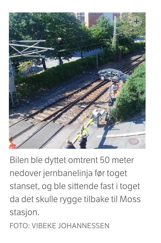 Her kjører godstoget på personbilen på Østfoldbanen - 7. juni 2018