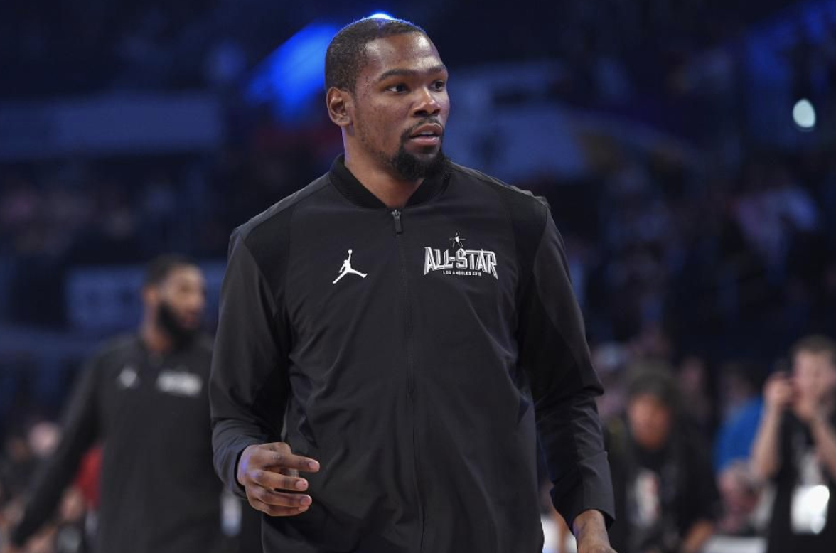LOS ANGELES, CA - FEBRUARY 18: Kevin Durant #35 of Team LeBron warms up prior to the NBA All-Star Game 2018 at Staples Center on February 18, 2018 in Los Angeles, California. (Photo by Kevork Djansezian/Getty Images)
