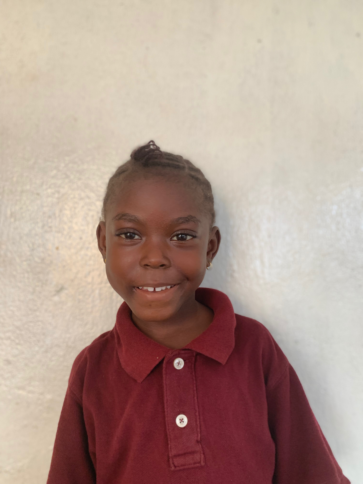 Hello, my name is Clavenda Nelson. - Clavenda is a 4-year-old girl.Clavenda lives with her parents and two sisters; and loves cats, dancing, and the color blue.