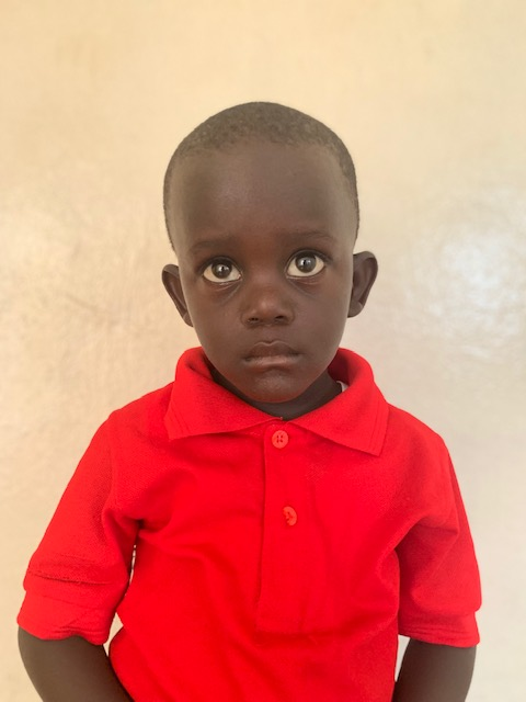 Hello, my name is Darius Vah. - Darius is a 3-year-old boy.Darius lives with his parents and sister; and loves cats, writing, and the color blue.
