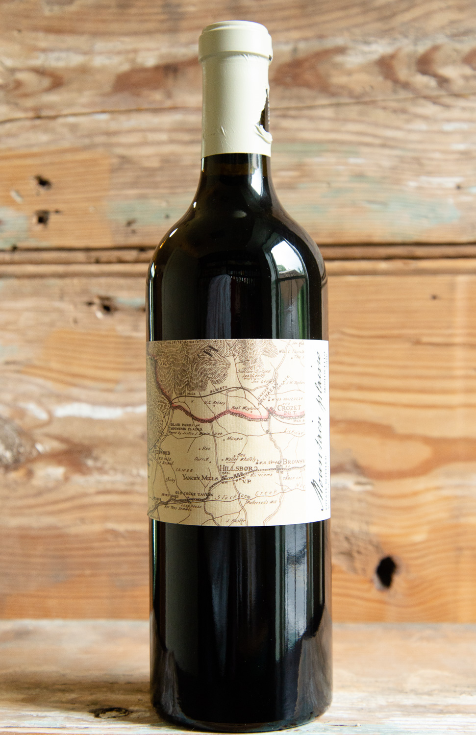 King Family Mountain Plains 2016 - Origin: MonticelloRetail: $67.95 | Sale $61.15King Family Vineyards is a family owned and operated winery located at the foothills of the Blue Ridge Mountains in Crozet, Virginia just fifteen minutes from Charlottesville. The name Mountain Plains was first written in a deed drafted in 1773 by Thomas Jefferson to transfer the ownership of a land grant farm established in 1737. After careful selection of the ripest fruit from their best vineyard blocks, the grapes were hand-sorted and then de-stemmed. After pressing, the wines were aged separately for 22 months in new barrels from the Tronçais oak forest in Central France, specially selected for their tight grained wood to impart fine tannins, and a well-integrated oak profile. Rich, dense layers of complexity and a powerful sense of structure promises a wine that will reward extended cellaring. Enjoy now, through 2025 and beyond. Bordeaux Blend2019 Monticello Cup Wine Gold Winner