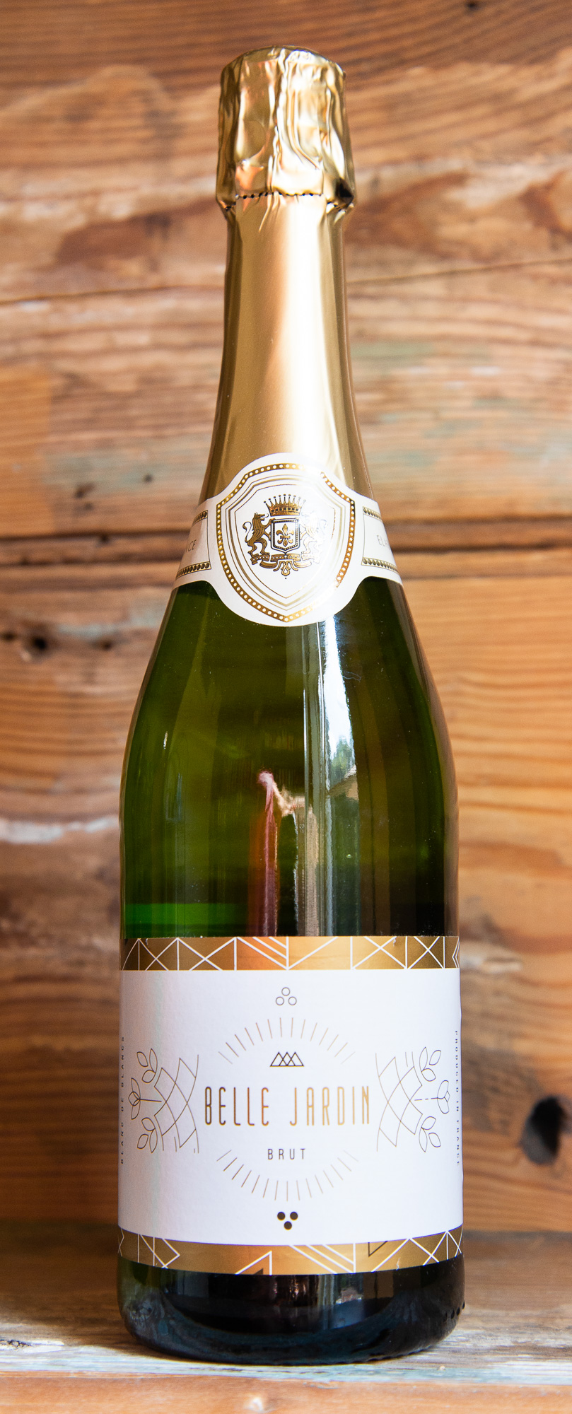 Belle Jardin Blanc de Blanc Brut NV - Origin: FranceRetail: $12.95 | Sale: $11.65This beautiful Alsatian sparkling Pinot Blanc exhibits light floral aromas with a hint of toasted, buttered brioche. On the palate, the wine displays a fine texture of beaded bubbles and a lingering clean finish. Excellent as an aperitif or mixing for Kir Royale or Mimosas. This perfectly balanced bubbly combines an elegant flavor with an exhilarating freshness. Lively yet refined, it's an ideal choice for all celebrations!Pinot Blanc