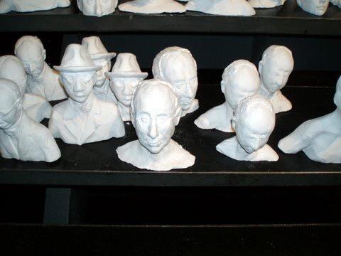 Des Pessoa, Sculptures de Paul Savoie