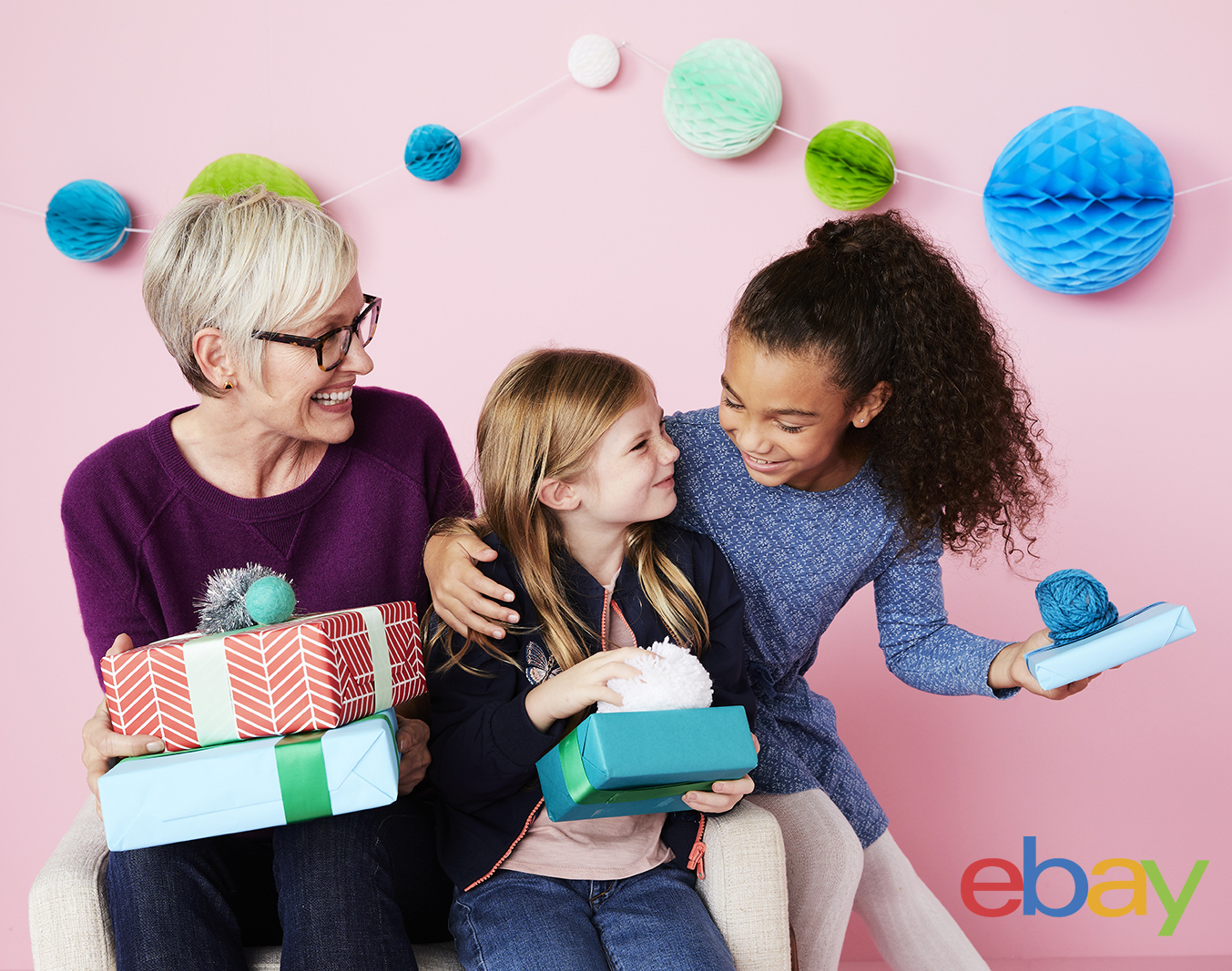 Holiday18_Campaign_Grandma_Kids_Moment_Colored_Wall_2967 copy copy.jpg