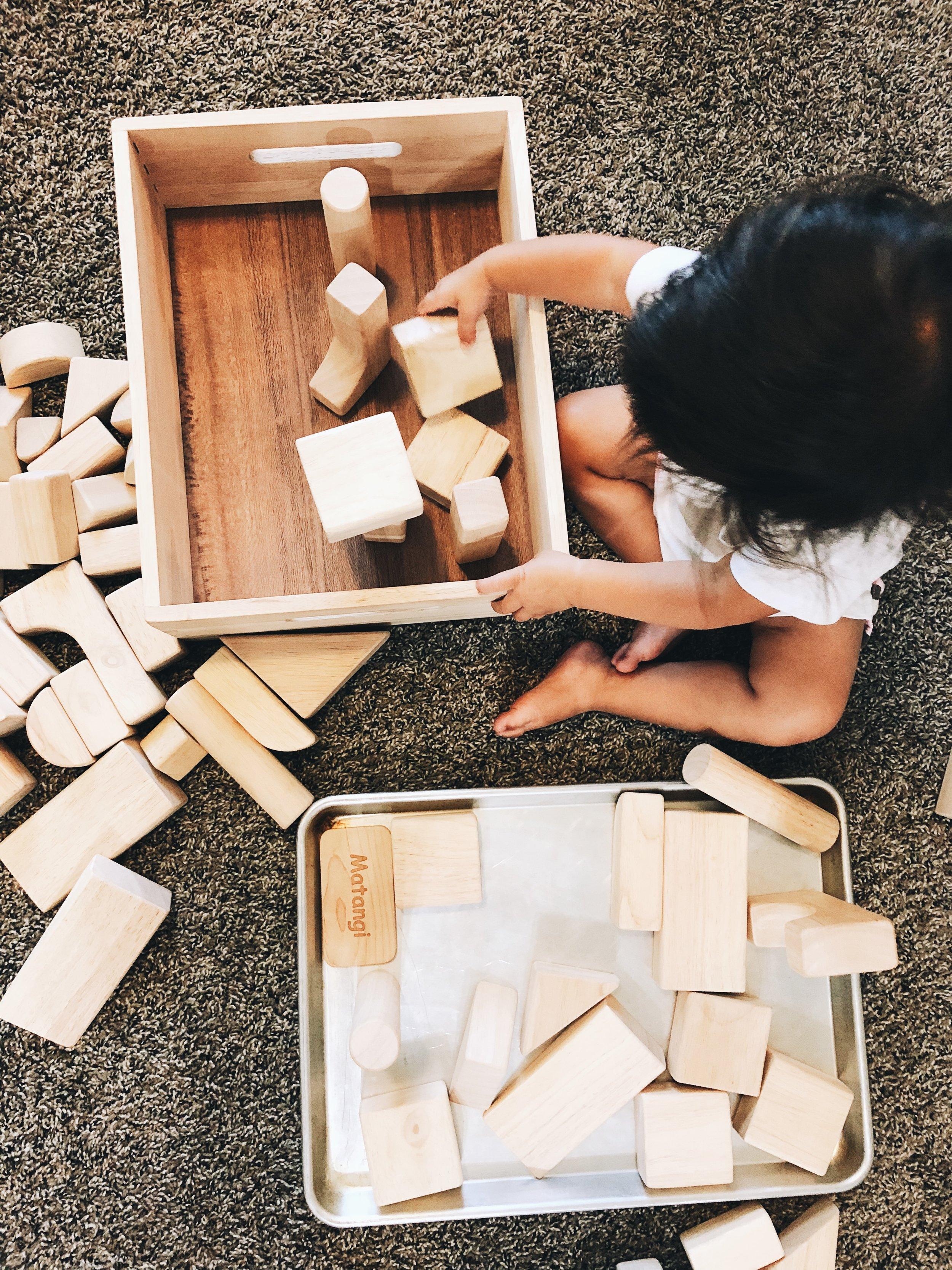 developmental-stages-of-block-play.JPG