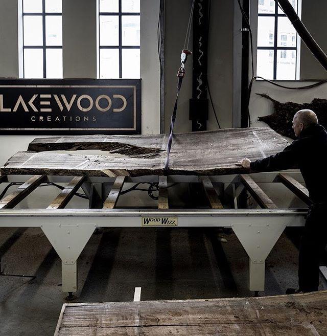 ✴️ Houd jij net als ons zo van hout in een interieur? Natuurlijke en duurzame materialen zijn tegenwoordig het meest populair voor de woonkamer, het kantoor of in een restaurant!   💪🏽 Daarom helpen wij een ieder die van hout houdt het inrichten van een ruimte een beetje makkelijker, duurzamer en leuker te maken. Wij maken graag mooie projecten, speciaal op maat voor mensen met een mooi verhaal! Net zoals wij dat hebben.   ✔️Lakewood Creations, alleen het beste voor houtliefhebbers.   -  ✴️ Do you also love wood in an interior like we do? Natural and sustainable projects are super populair for in the living room, office or restaurants.   💪🏽 That is why we love to help everyone that loves wood making the design of an interior a bit easier, more fun and sustainable.   ✔️ Lakewood creations, only the best for wood lovers
