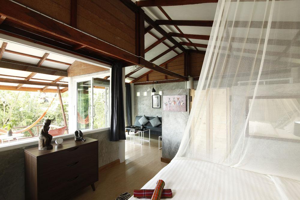 oonlee-desk-thailande.jpg