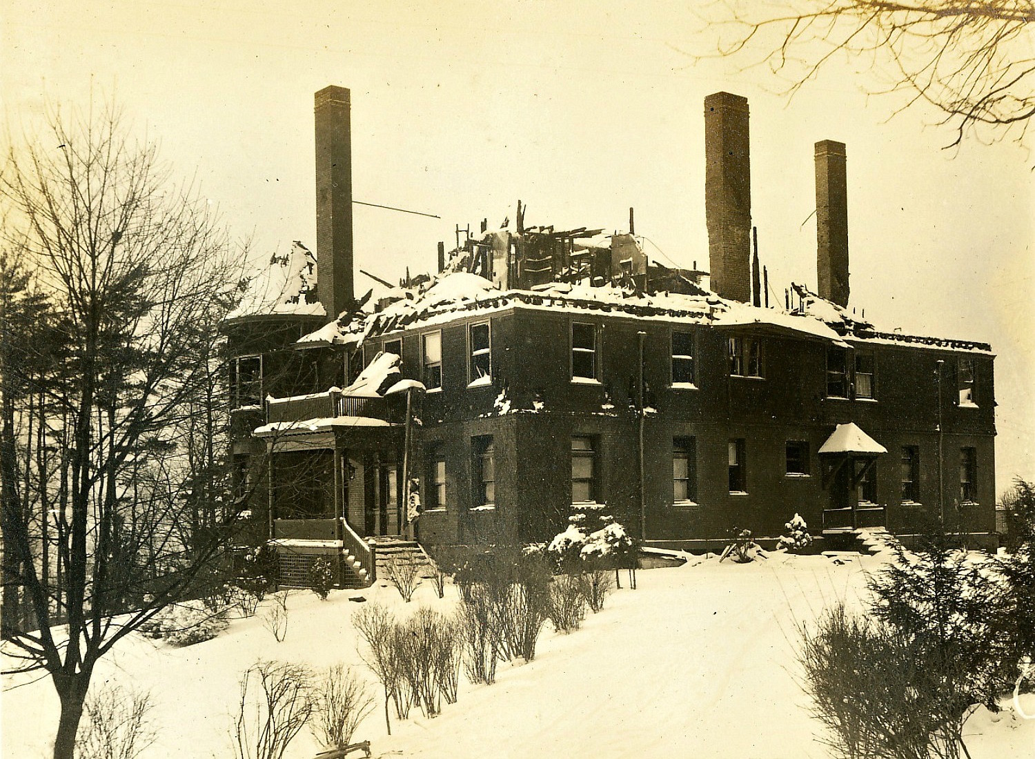 Great Fire of 1909 Devastated the Upper Floors