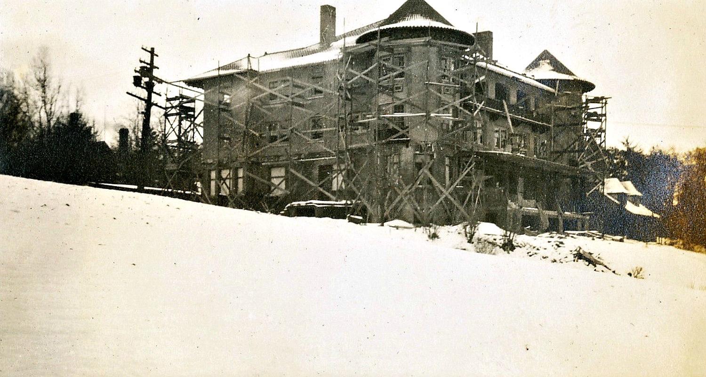 DU Rebuilds 1910