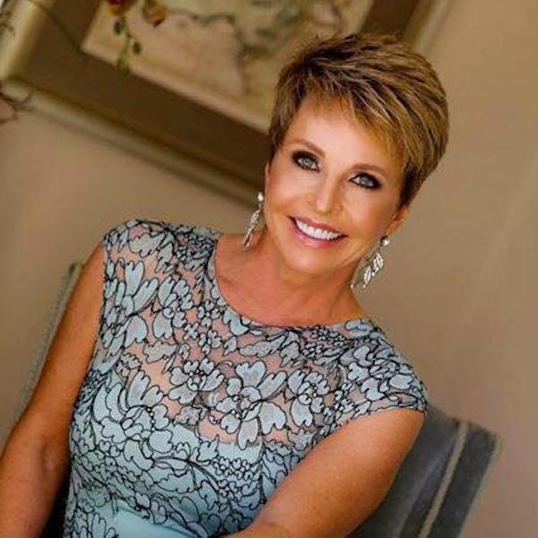 Robin Leigh/Owner Staged To Sell Design Services