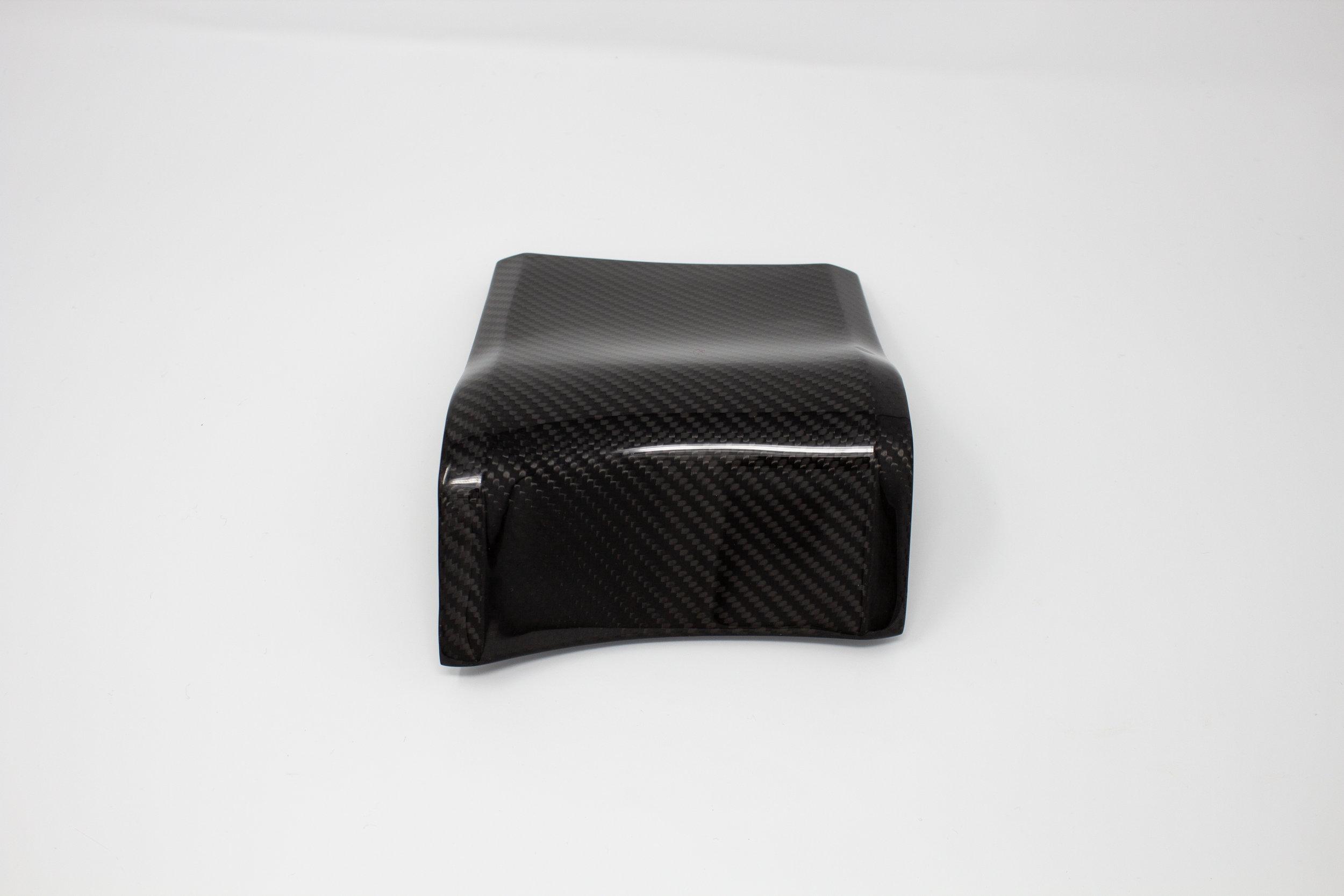 ford-carbon-fiber-door-trim-3.jpg