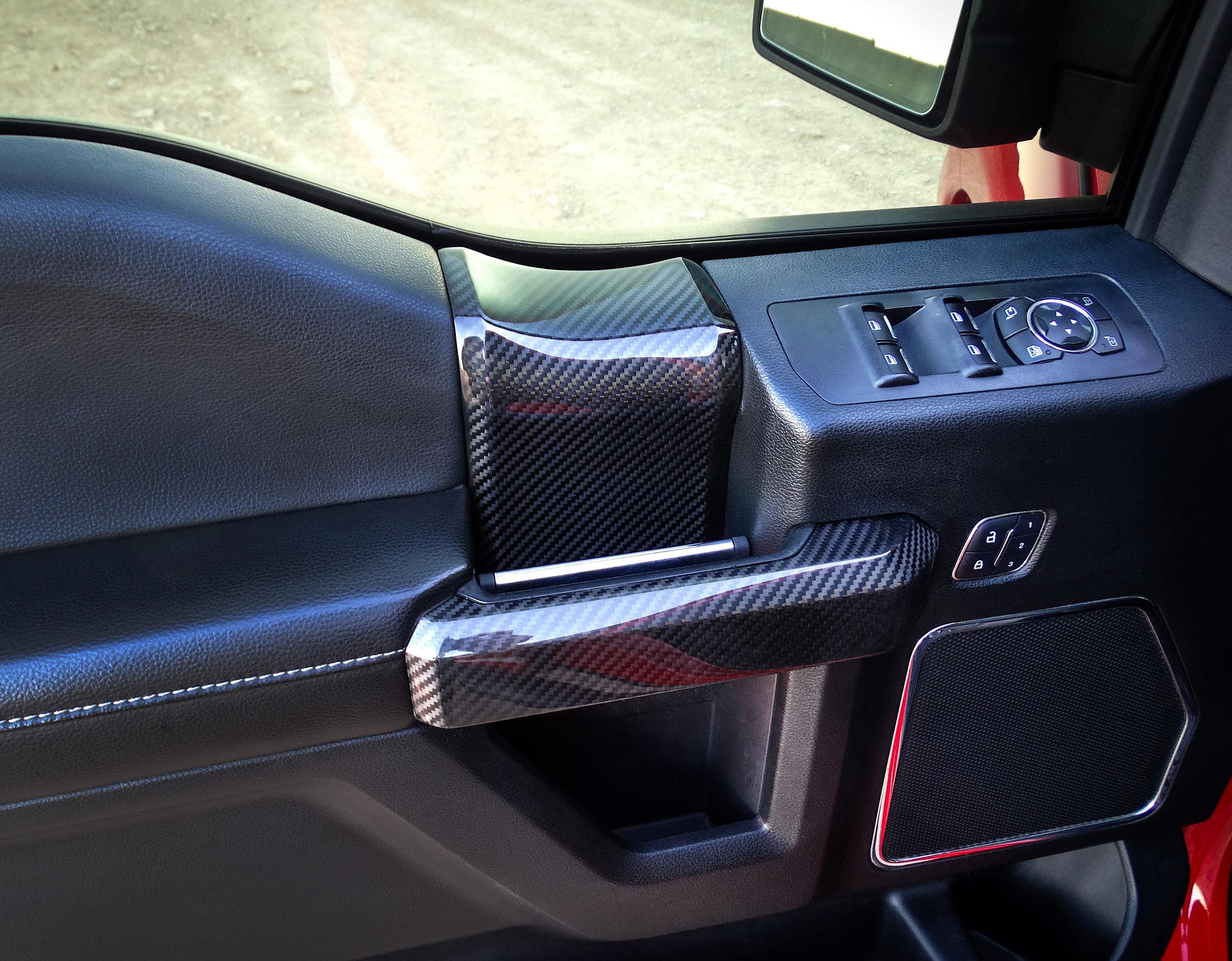 ford-carbon-fiber-door-trim-6.jpg