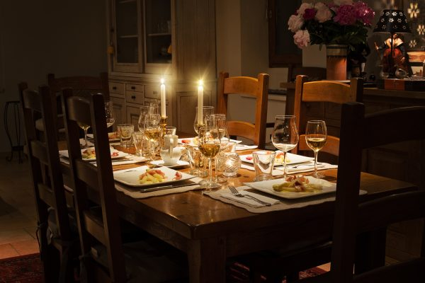 Blog-Dinner-Table-e1502807952329.jpeg