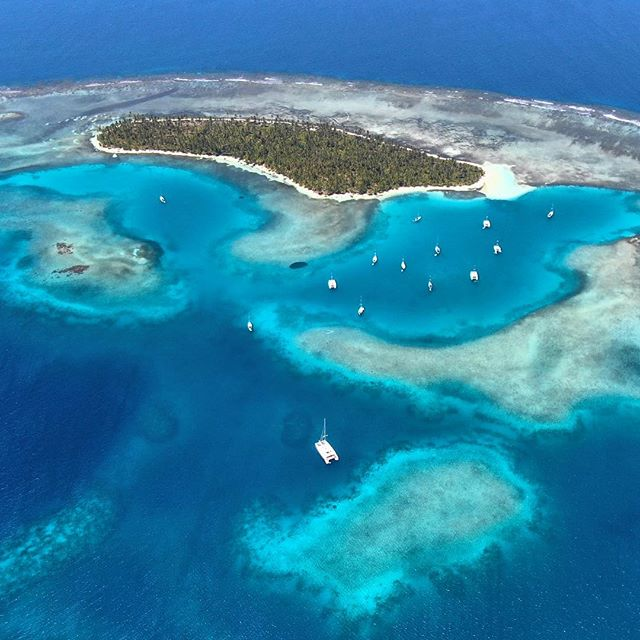 Any guesses where we are? Ok, I'll tell you - San Blas Islands off the north coast of Panama #nofilter #sanblas #tropical #nauturalbeauty #travel #charteryacht #catamaran