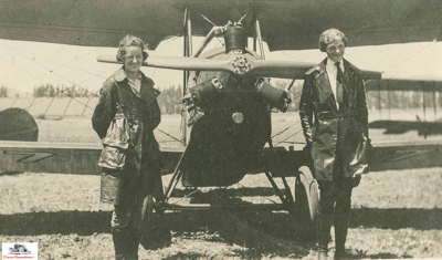1921 (l-r) Anita Snook and Amelia Earhart with Kinner Airster  photo courtesy Library of Congress