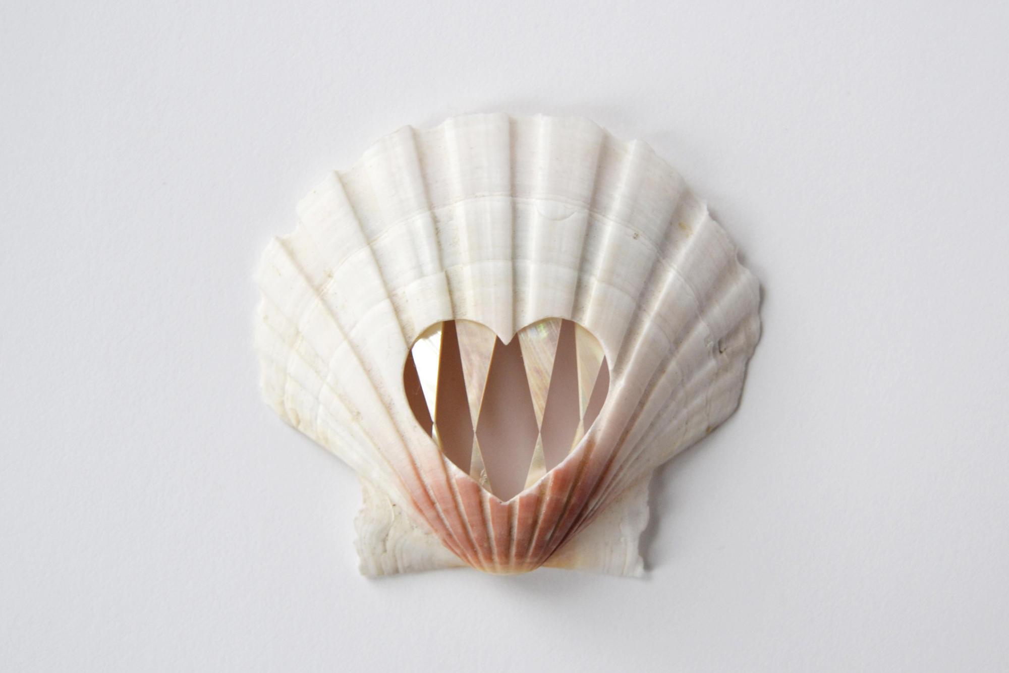 Benedikt Fischer ,  Pearly Whites.  (Photo: courtesy Norwegian Crafts)