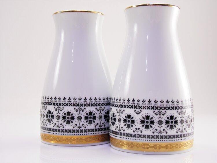 Paragon Brides Choice Fine Bone China Salt and Pepper Shakers Silver Rim China Platinum Trim