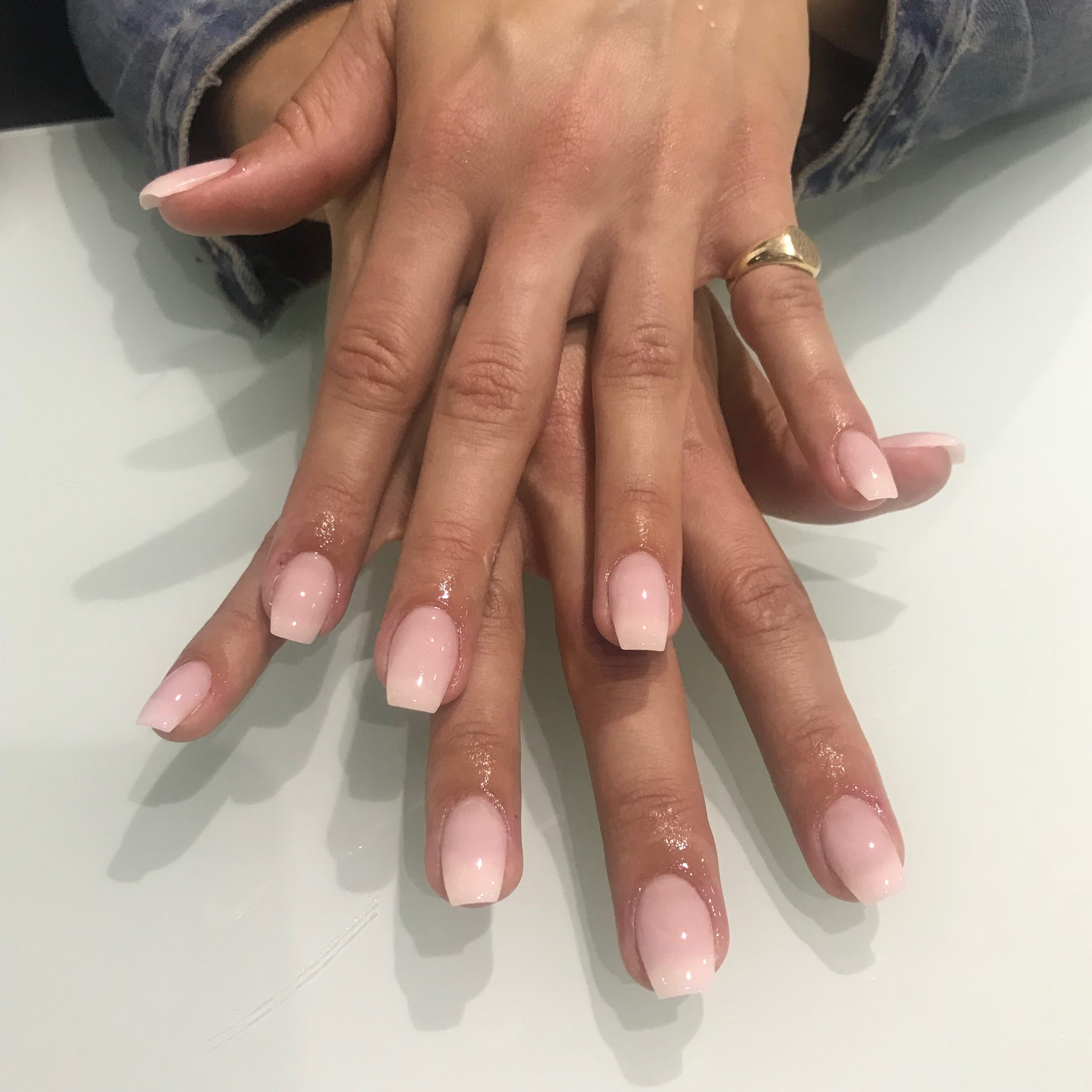 Nails by  @theparlourclovelly
