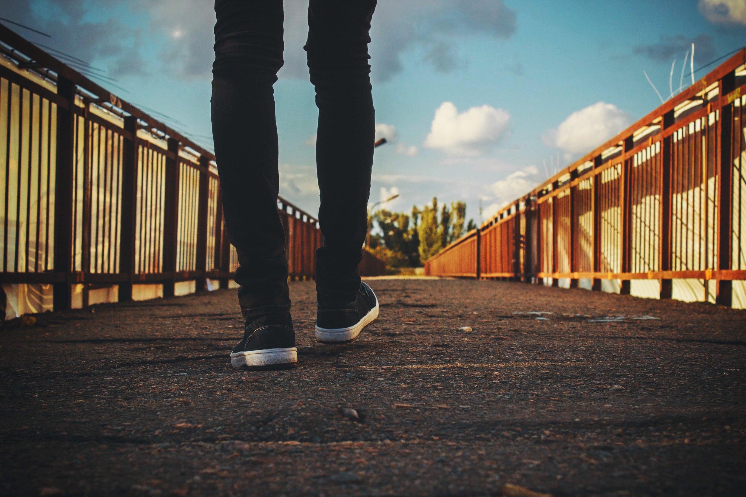 bridge-feet-railings-244371.jpg