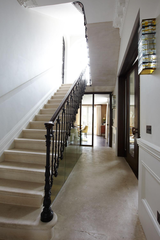The-Pembridge-Gardens-Residence-in-London-England-13.jpg