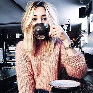 Monday mornings have me like...☕️ . . . #tea #tealover #tealovers #ilovetea #teaholic #timefortea #teatime #tealife #teaaddict #teaparty #teadrinker #monday #mug #cuppatea #cuppa #morningtea #mondayfeels #morning