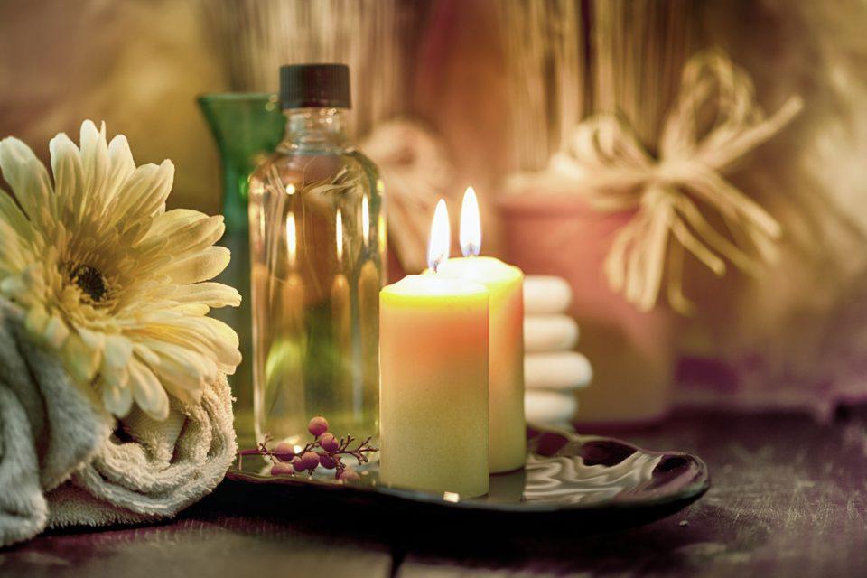 aromatherapy-spa-candles-e1516210065717.jpg