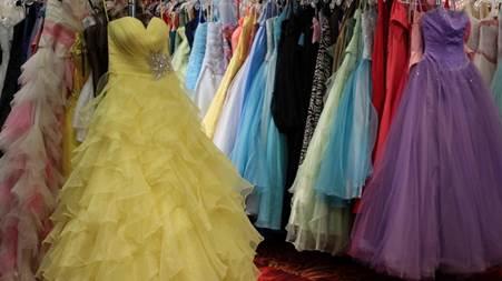 prom_dresses.jpg