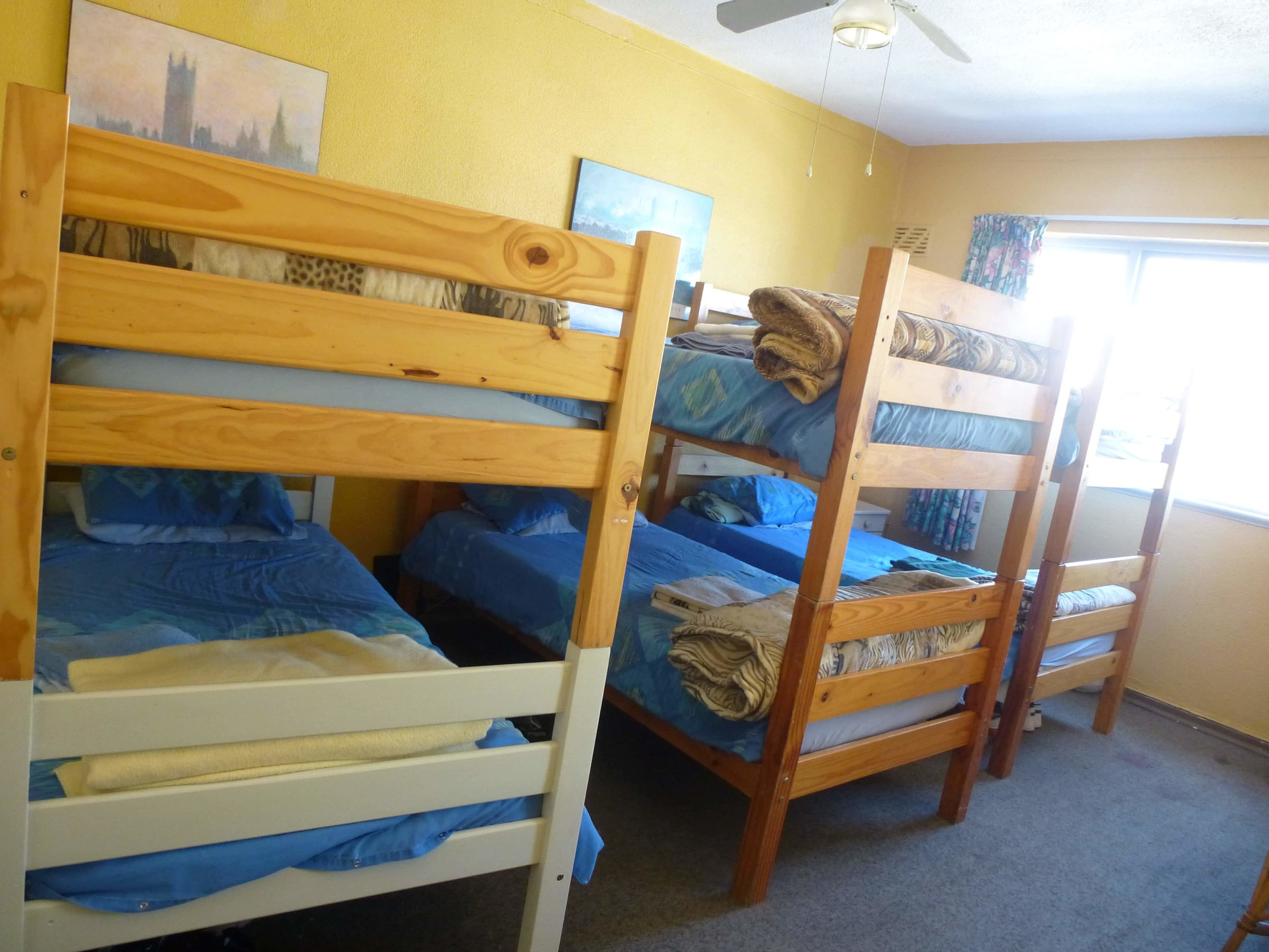 LAL-CPT-YL-Accommodation-Multi-bedded-shared-room-10-min.JPG