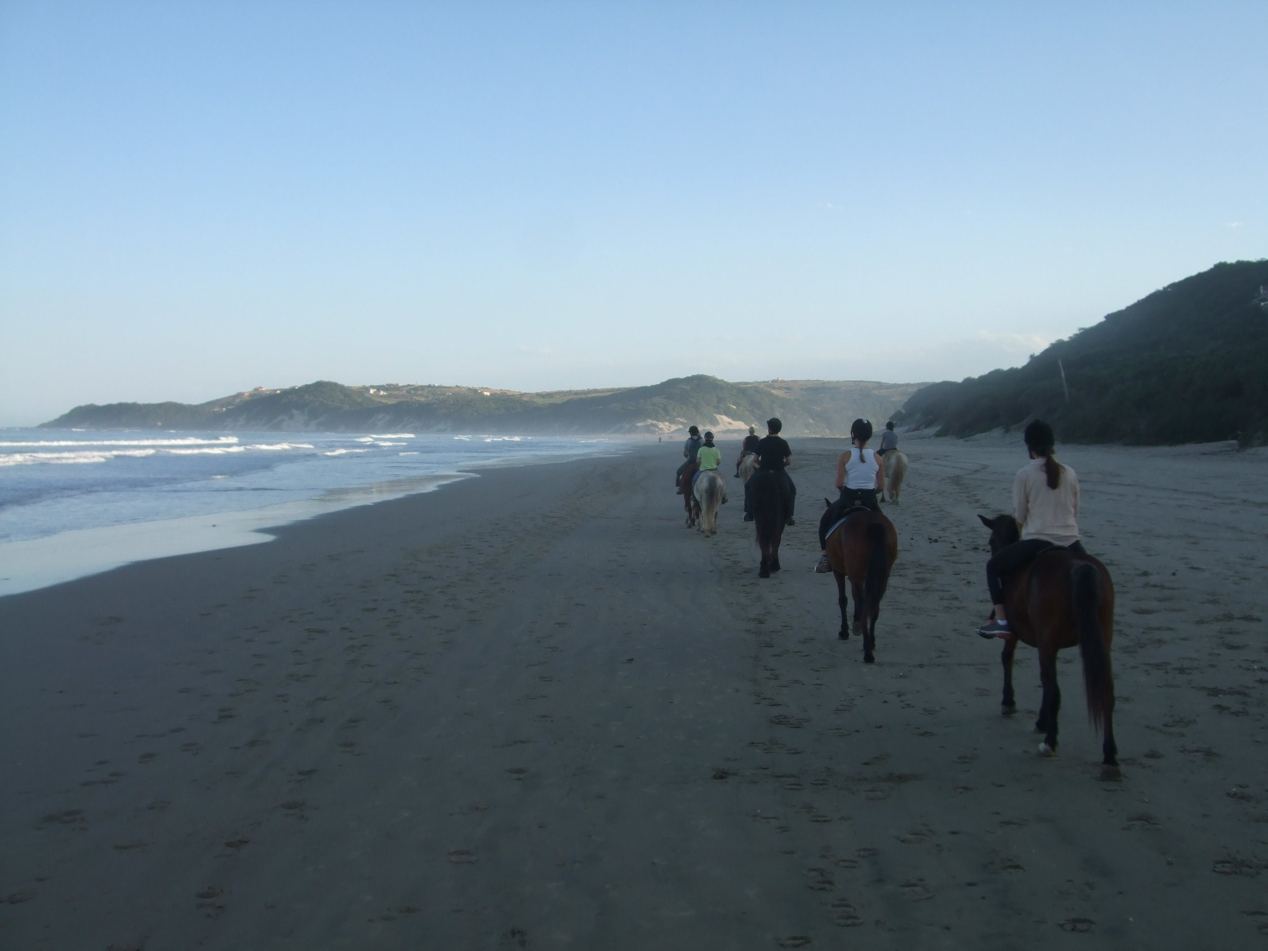 LAL-CPT-Travelling-Classroom-TC-Group-beach-horseriding-2012-min.JPG
