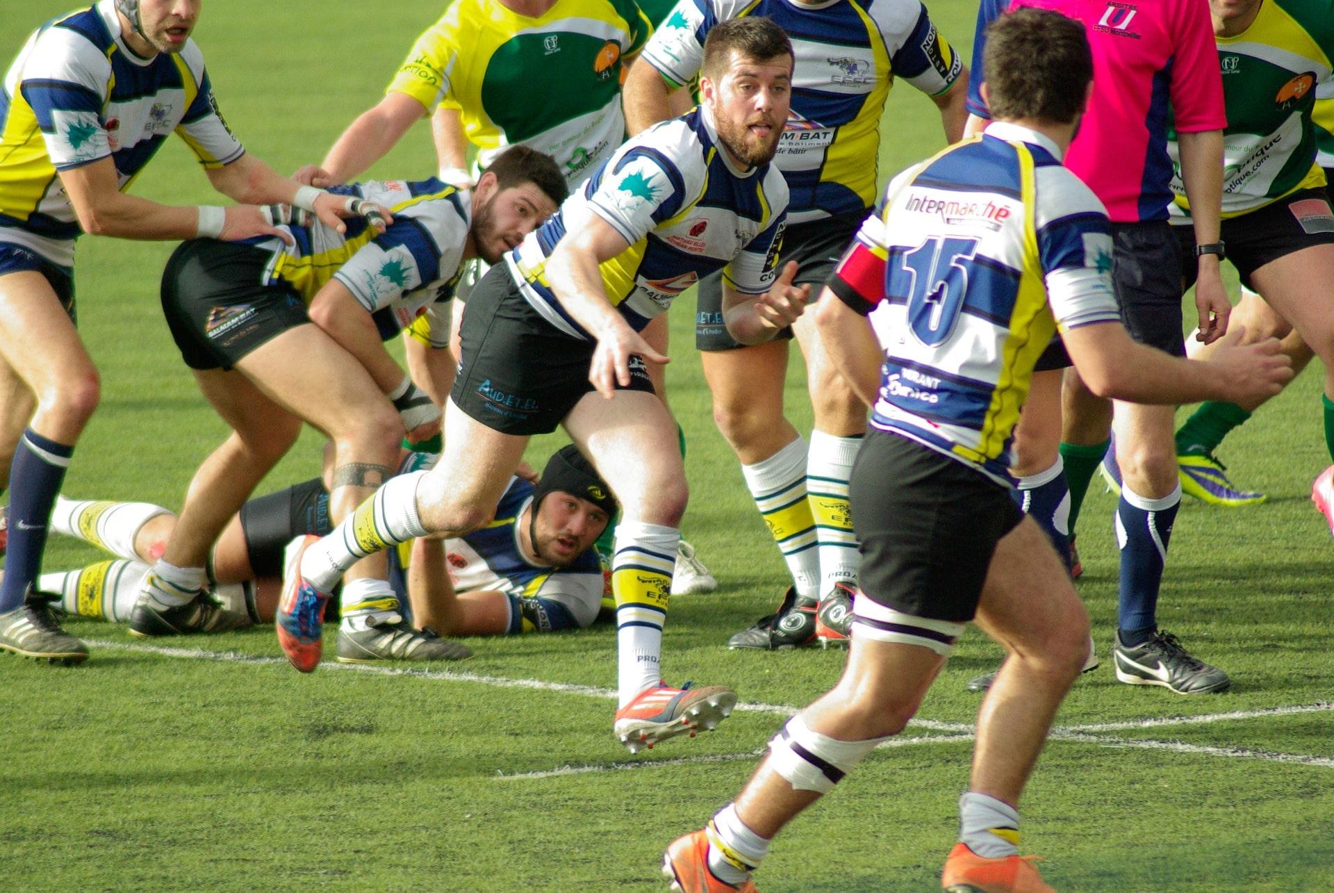 rugby-655034_1920-min.jpg