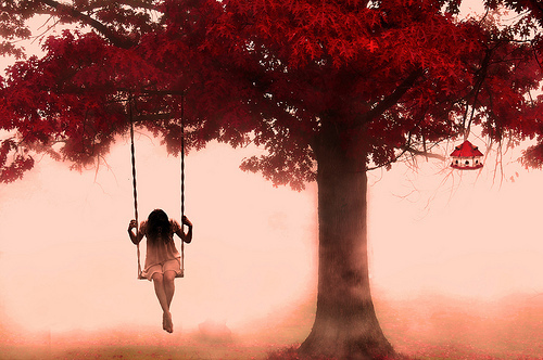 alone-fall-girl-maple-melancholy-pretty-Favim.com-55578.jpg