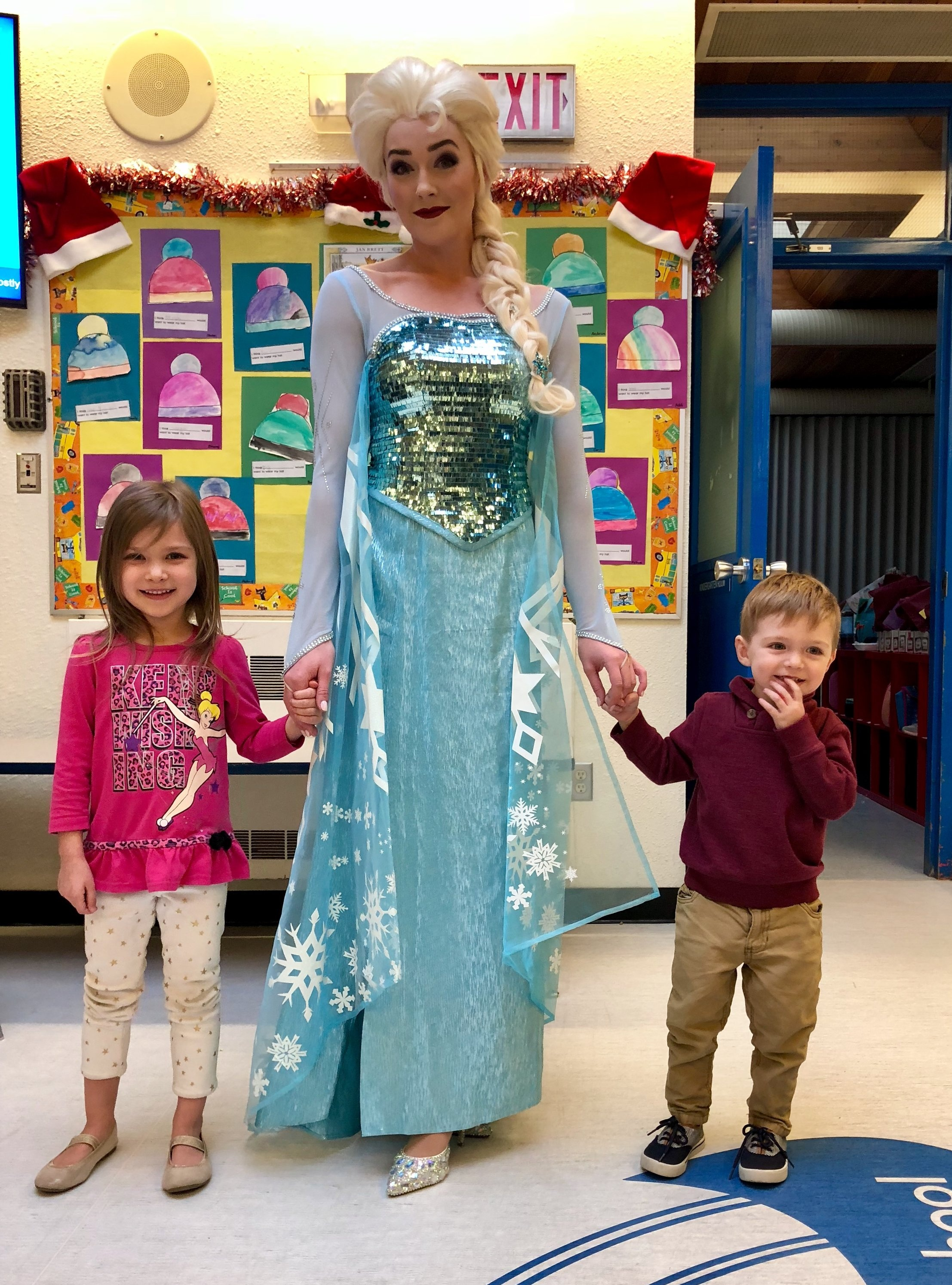 Elsa+%26+kids+at+SAM+school.jpg