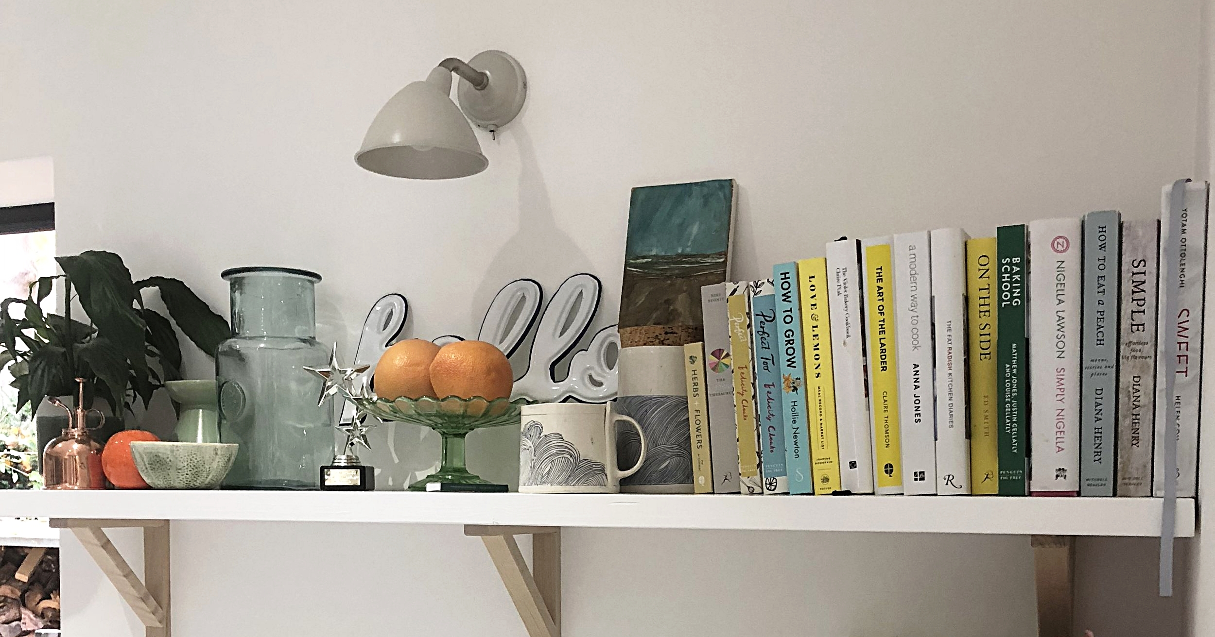 Beautifully curated shelfie in the stunning home of  @gemcwade