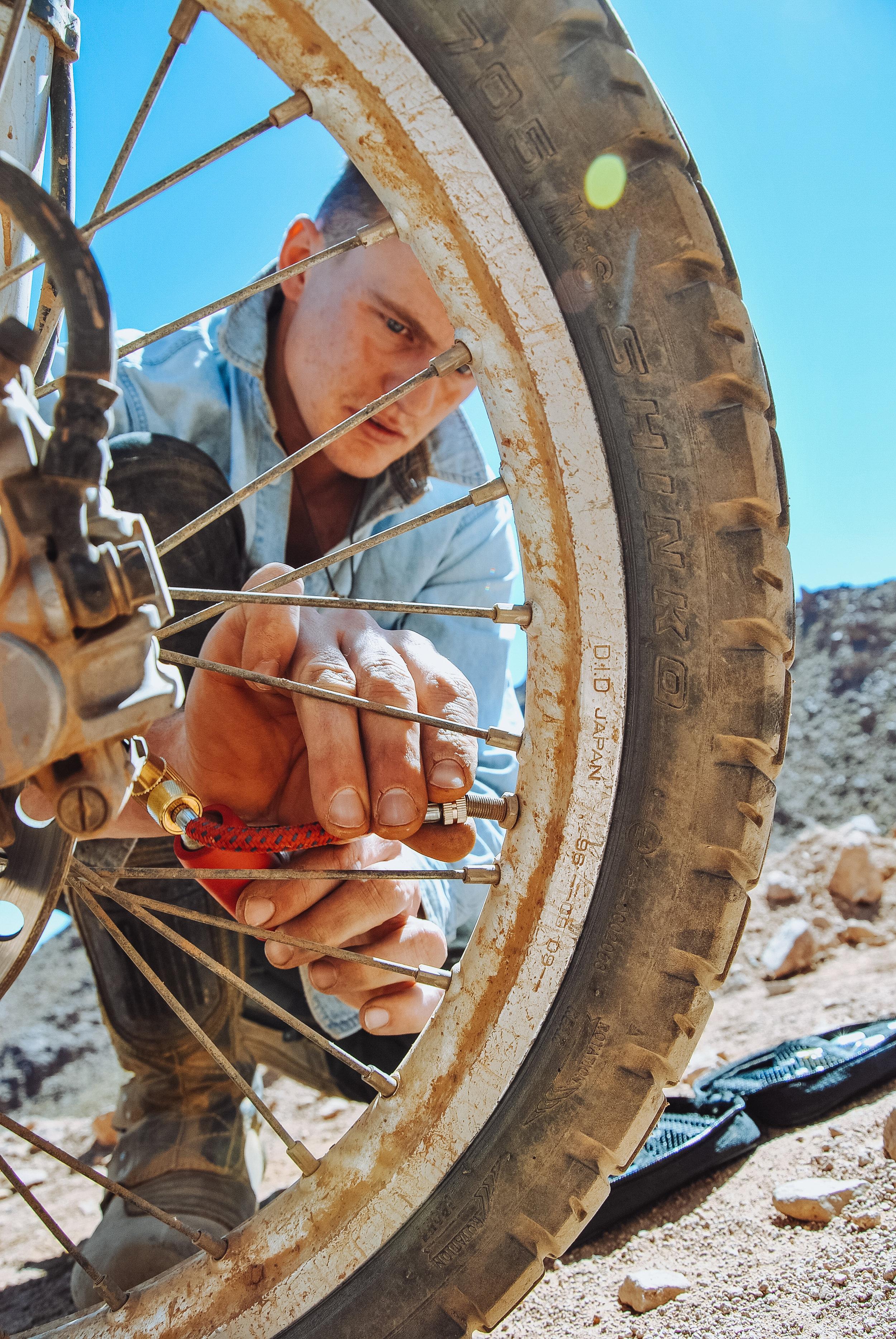 Puncture repair with Jo de Klee