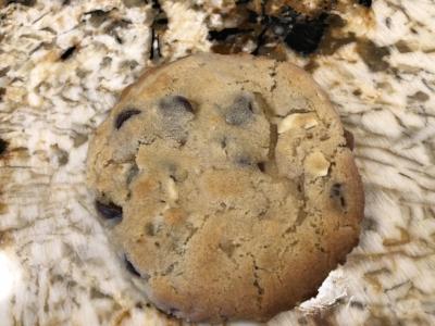 amaretto chocolate chip cookie.jpg