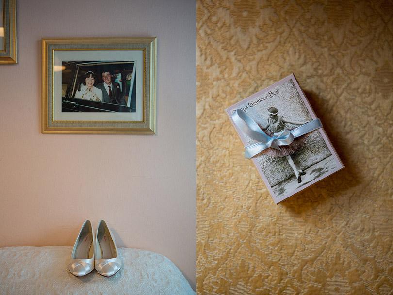 Hampton-Court-House-Wedding-AmyPete-02.jpg